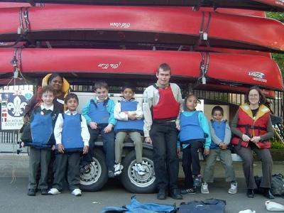 Beaver Scouts posing with the 8th Holborn canoe trailer